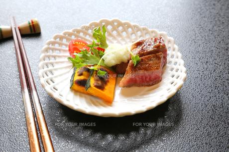 おいしいビーフステーキの写真素材 [FYI00212432]