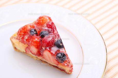 いちごタルトのケーキの写真素材 [FYI00212569]