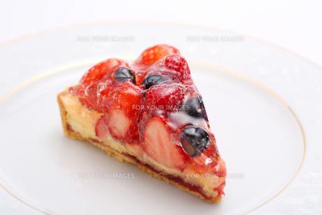 いちごタルトのケーキの写真素材 [FYI00212570]