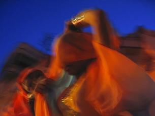 夕暮れに浮かぶサリーの写真素材 [FYI00212916]