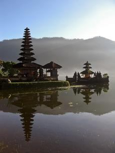 ウルン・ダヌ・ブラタン寺院の写真素材 [FYI00212955]