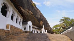 ダンブッラ石窟寺院の写真素材 [FYI00213042]