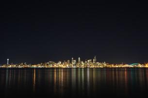 シアトルの夜景の写真素材 [FYI00213794]