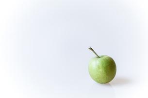 青リンゴの写真素材 [FYI00214232]