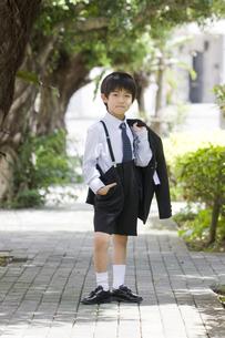 入学式後の1年生の写真素材 [FYI00214599]
