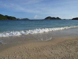 渡嘉敷島の夕波の写真素材 [FYI00215987]