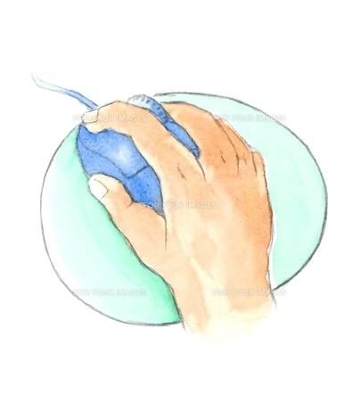 マウスを操作する右手の写真素材 [FYI00216137]