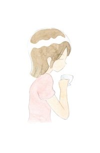 コーヒーを飲む女性の写真素材 [FYI00216155]