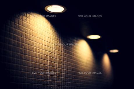 壁、ライトの写真素材 [FYI00219289]