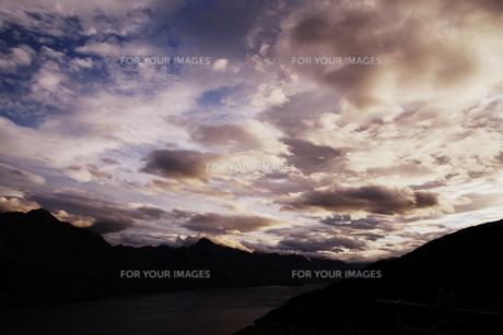 山脈と空の写真素材 [FYI00219334]