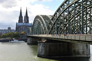 ホーエンツォーレルン橋の写真素材 [FYI00219390]
