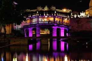 ベトナム ホイアン 来遠橋の写真素材 [FYI00219428]