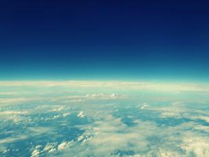 地球と宇宙の境界線の素材 [FYI00219464]