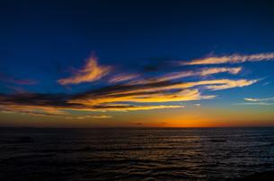 海辺の夕景の写真素材 [FYI00219930]