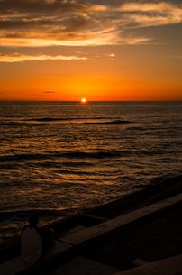 北谷町の夕日の写真素材 [FYI00219937]