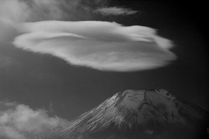 富士山:Mt.Fuji:笠雲の写真素材 [FYI00220367]