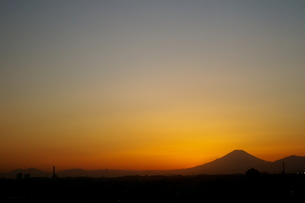 富士山:Mt.Fujiの観える風景:夕暮れの写真素材 [FYI00220423]