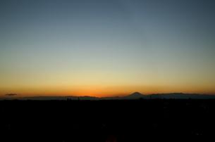 富士山:Mt.Fujiの観える風景:夕暮れの写真素材 [FYI00220427]