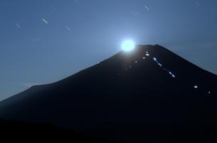 富士山:Mt.Fuji:パール富士:夜景の写真素材 [FYI00220500]