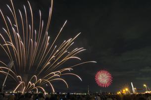 関門海峡花火大会の写真素材 [FYI00220520]