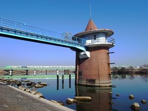 レトロな取水塔の写真素材 [FYI00220602]