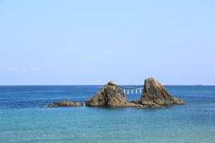 二見ヶ浦の夫婦岩の写真素材 [FYI00221596]