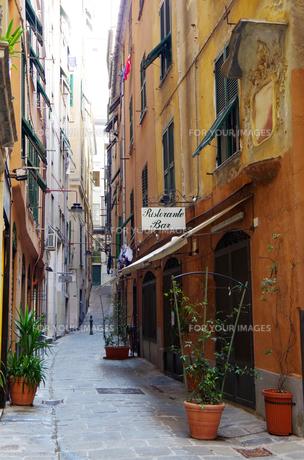 イタリア、ジェノヴァの旧市街の写真素材 [FYI00221837]