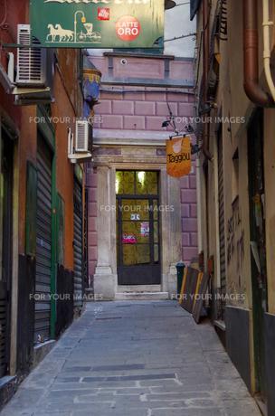 イタリア、ジェノヴァの旧市街の写真素材 [FYI00221843]