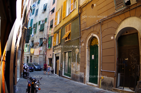 イタリア、ジェノヴァの旧市街の写真素材 [FYI00221863]