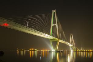 名港トリトン夜景の写真素材 [FYI00221889]