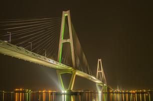 名港トリトン夜景の写真素材 [FYI00221897]