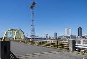 向野橋と名駅高層ビル群の写真素材 [FYI00221996]