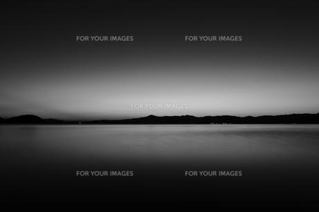 静かな湖の写真素材 [FYI00222197]