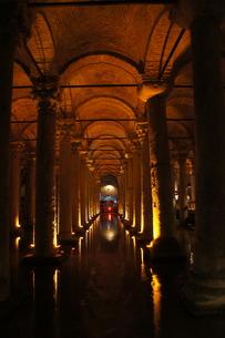 イスタンブール地下宮殿の写真素材 [FYI00222426]