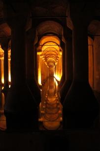 イスタンブール地下宮殿の写真素材 [FYI00222427]