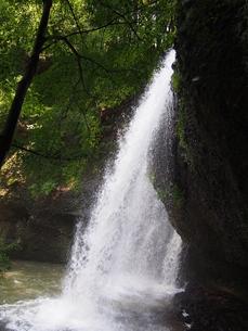 月待ちの滝の写真素材 [FYI00222555]