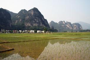 中国・英西峰林走廊の写真素材 [FYI00222733]