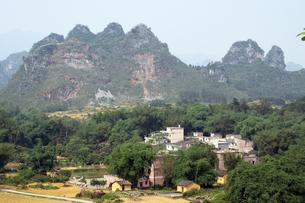 中国・英西峰林走廊の写真素材 [FYI00222743]