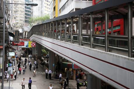 香港・ミッドレベルエスカレーターの写真素材 [FYI00222769]