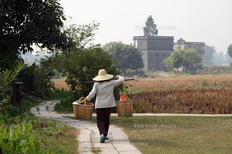 中国・開平の農婦の写真素材 [FYI00222798]