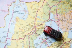 地図と車の写真素材 [FYI00222842]