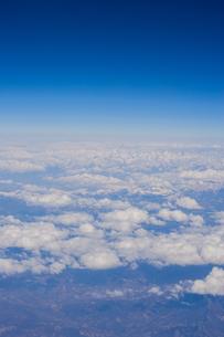 飛行機から見た雪山の写真素材 [FYI00223116]