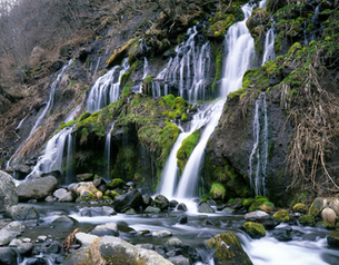 3月の吐龍の滝の写真素材 [FYI00223345]