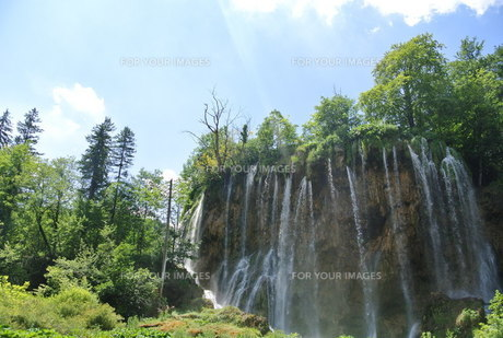 プリトヴィッツェ国立公園湖群の写真素材 [FYI00223463]