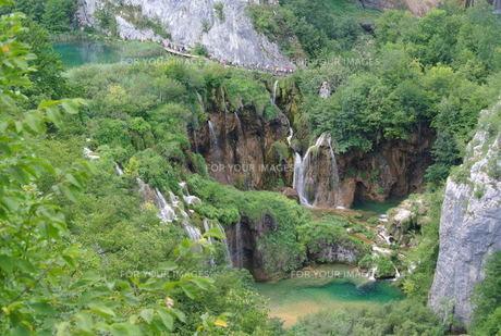 プリトヴィッツェ国立公園湖群の写真素材 [FYI00223472]
