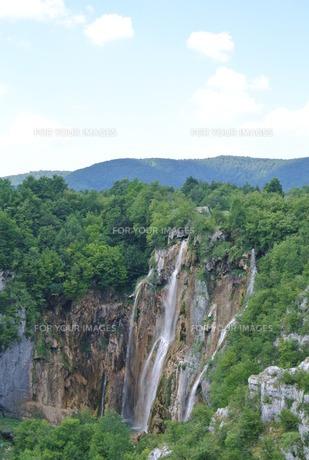 プリトヴィッツェ国立公園湖群の写真素材 [FYI00223473]
