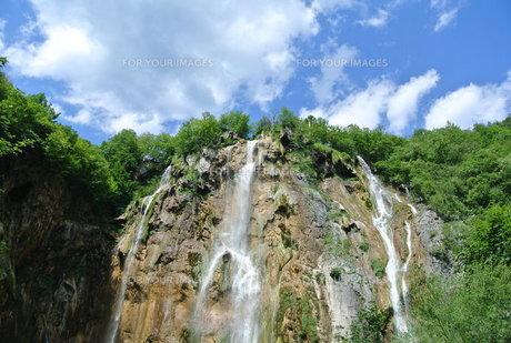 プリトヴィッツェ国立公園湖群の写真素材 [FYI00223475]