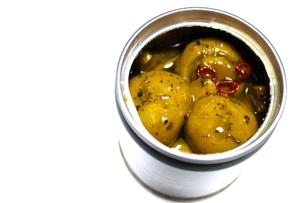 マッシュルームのオイル煮缶の写真素材 [FYI00223678]