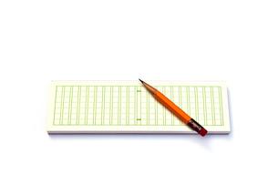 メモ用紙と鉛筆の写真素材 [FYI00224340]