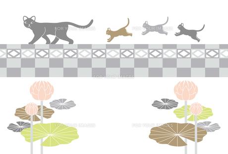 喪中寒中見舞い年賀欠礼はがきテンプレート(猫の親子とブロック塀と蓮の花)の写真素材 [FYI00224440]